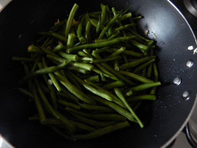 garlic-french-beans-peanuts-leotunapika-2
