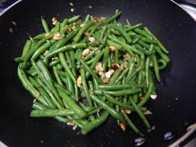 garlic-french-beans-peanuts