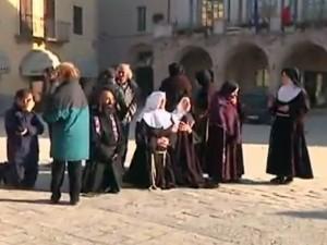 nurcia-rezando-2-300x225