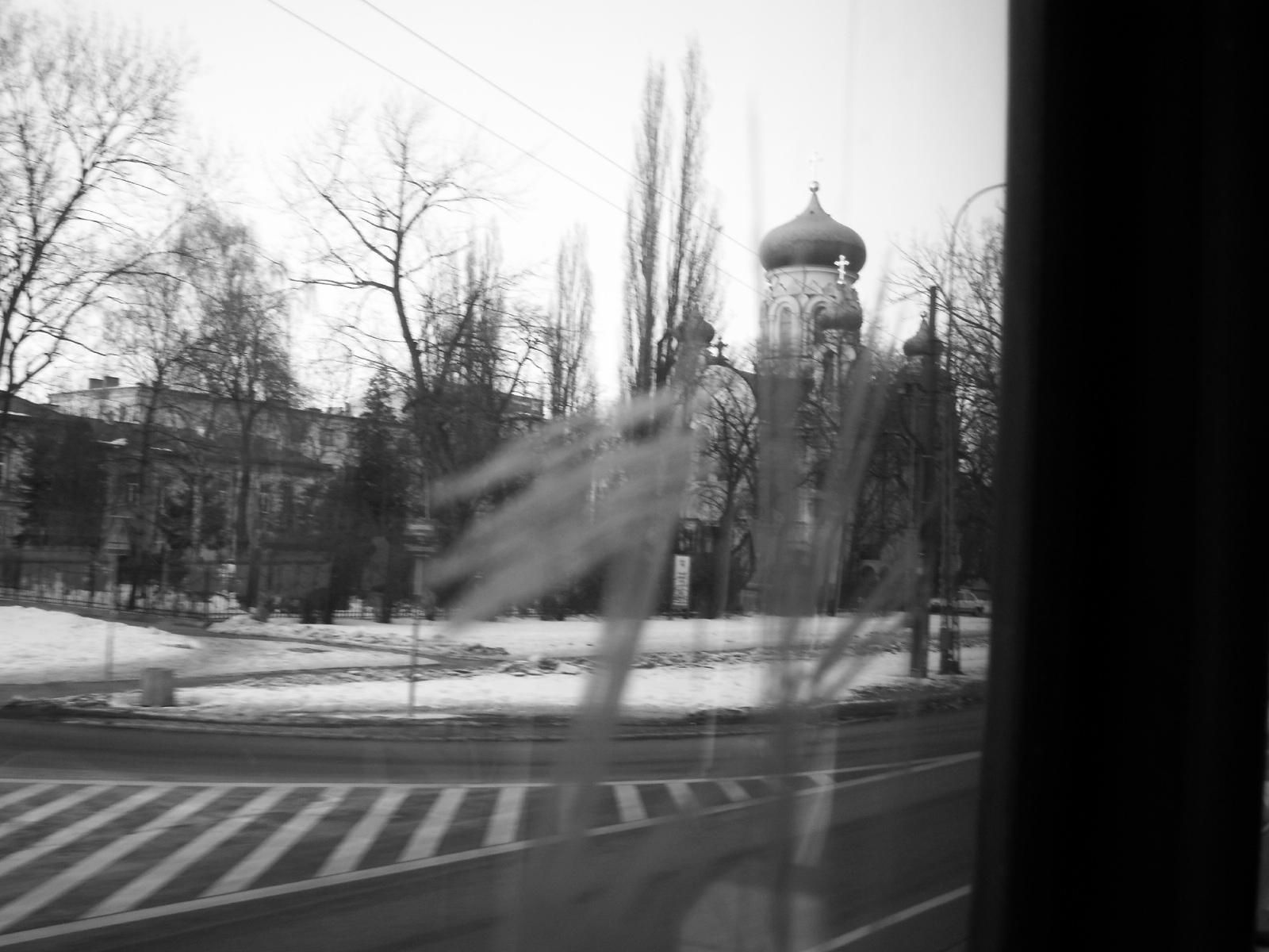 Eglise orthodoxe près du quartier populaire Praga