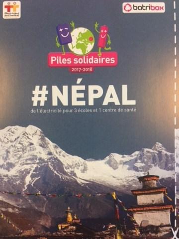 Des piles pour le Népal