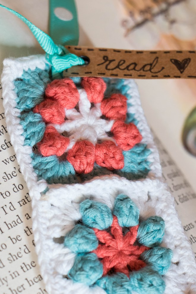 Free crochet pattern Floral Granny Square Bookmark