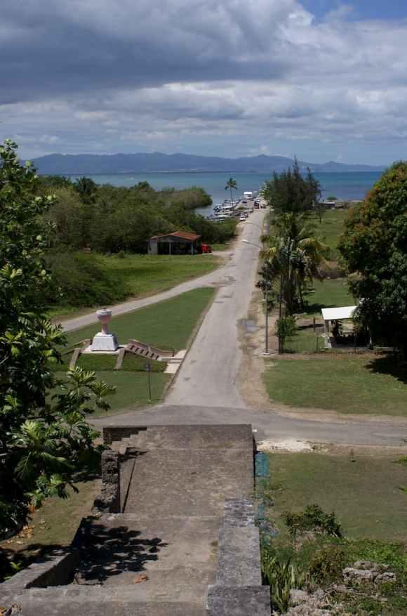 Port de Petit-Canal vu des marches des esclaves en Guadeloupe