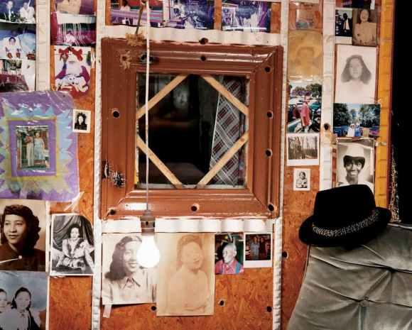 © Alec Soth - The Reverend and Margaret's bedroom - Vicksburg, Mississippi