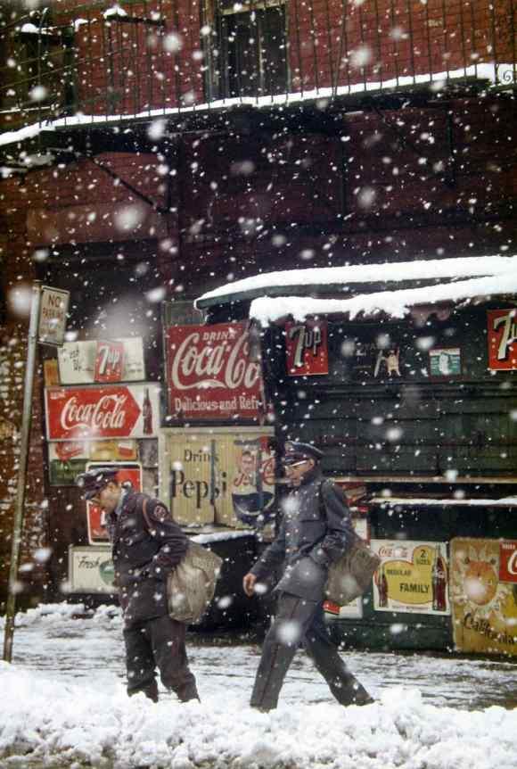 Saul Leiter - Postmen - 1952