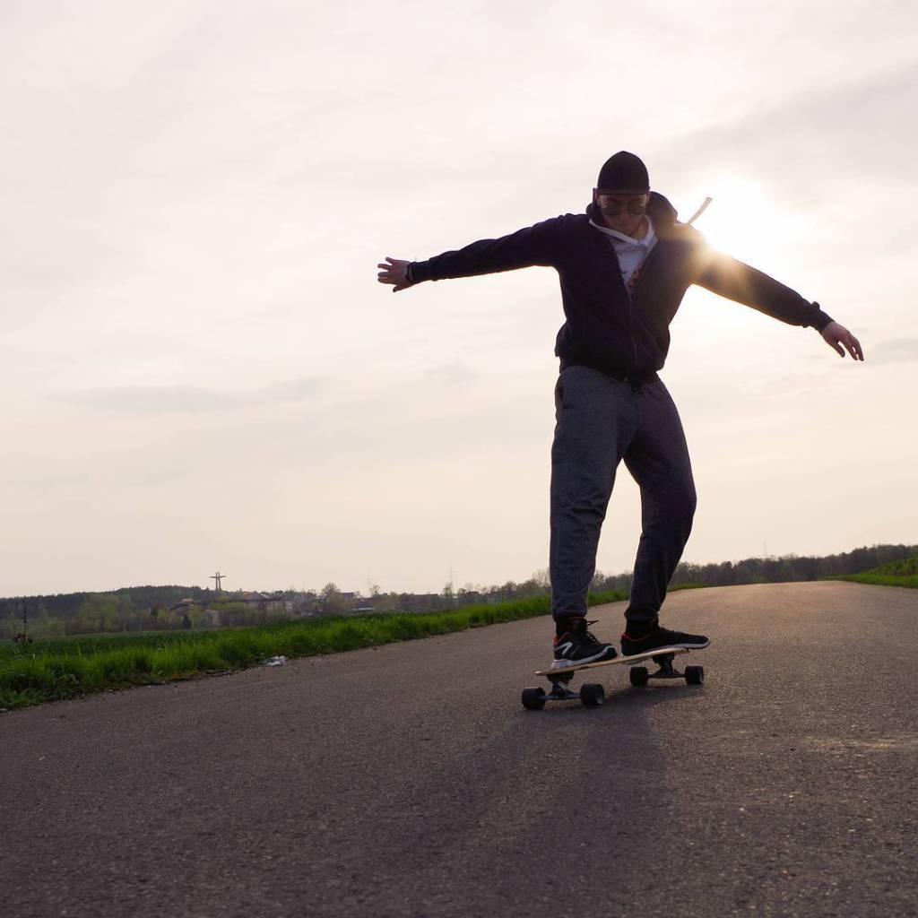 Surfowanie po asfalcie longboard longboarding longboards skateboard sk8 sk8ordie afternoonlikethishellip