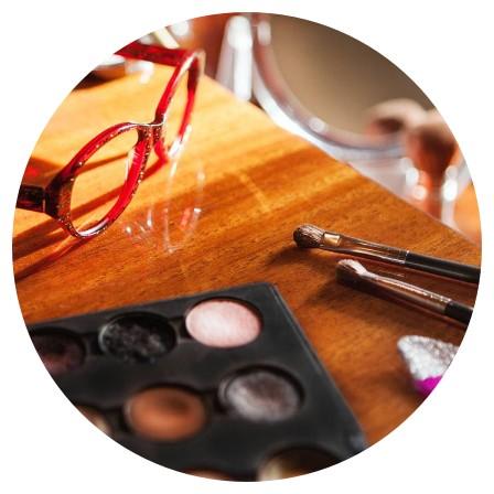 Conseils maquillage avec des lunettes - Conseils Alice au Show Room de Quimper Locmaria