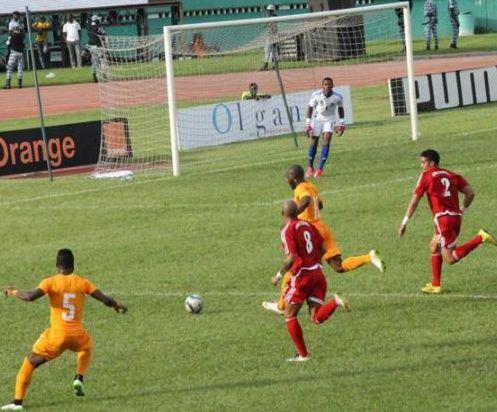 Au terme du match amical, les Eléphants ont été tenus en échec face aux Nzalang national. (Ph: Dr)