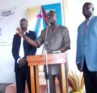 Le porte-parole de la faitière des Escom, M. Ouattara.Ph.Dr