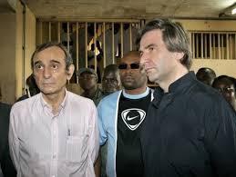 De G à D: Valentini, Ogonougbo (au centre) et Claude Dauphin lors des émeutes soulevées par des détenus, en son temps, à la Maison d'arrêt et de correction d'Abidjan (Maca). Ph.Dr