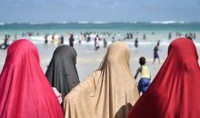 France : L'arrêté anti-burkini suspendu.