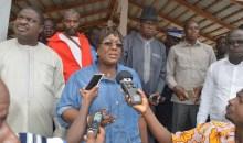Conflit foncier : Mme le Ministre Anne-Désirée Ouloto négocie une trêve d'une semaine #Guiglo