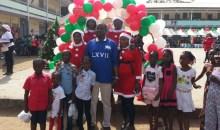 Arbre de noël à Treichville : Amy Toungara offre la joie aux enfants