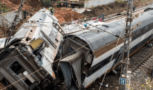 [Inde Un train percute la foule] Une soixantaine de morts (source policière)