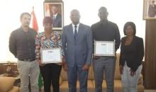 [Côte d'Ivoire/Médias] : Les lauréats de la bourse Ghislaine Dupont et Claude Verlon reçus par le ministre Sidi Touré