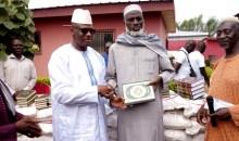 Côte d'Ivoire-Korhogo : le président Ouattara fait des dons de corans, de vivres et non-vivres aux guides religieux