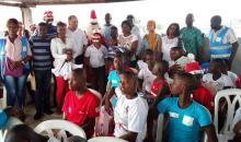 Fête de Noël à Adjamé : le groupe Cfao-Retail offre des cadeaux aux 66 pensionnaires de l'Ong Cavoequiva