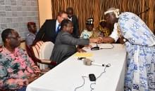 [Côte d'Ivoire] Des chefs traditionnels ''s'humilient'' devant Bédié pour la paix (L'intégralité du discours)