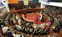 Le pouvoir exécutif et le pouvoir législatif sont-ils séparés en côte d'ivoire ? (Simple question)
