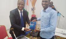 """[Dédicace du livre """"Le système éducatif que la Côte d'Ivoire mérite'', l'auteur Gnapia Brice catégorique] «Le système éducatif est en panne, il faut l'amener d'urgence en salle de réanimation»"""