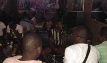 [Lutte contre le Coronavirus/Non-respect des mesures gouvernementales] Un bar fermé à Yopougon, son gérant mis aux arrêts