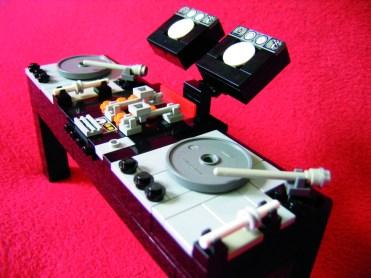 DJ Console di Kevin Guoh