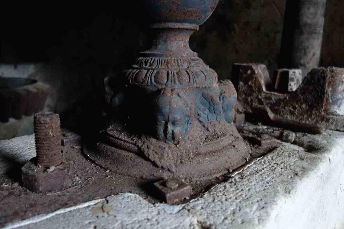 une colonne du pressoir du moulin