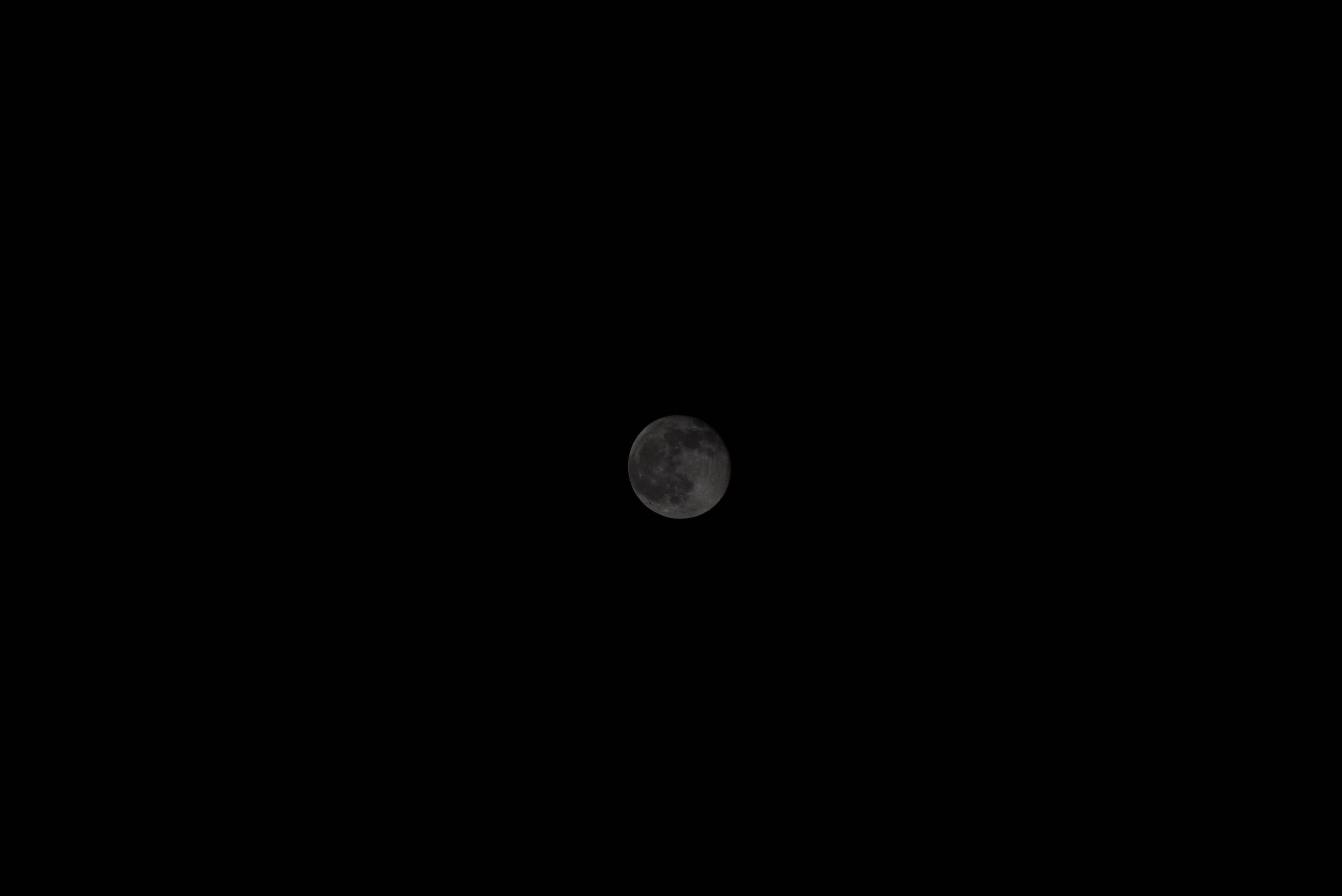 Mond vor der Bearbeitung