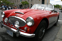 Austin Healy 3000 Mark 3. (at least thats what the badge says)