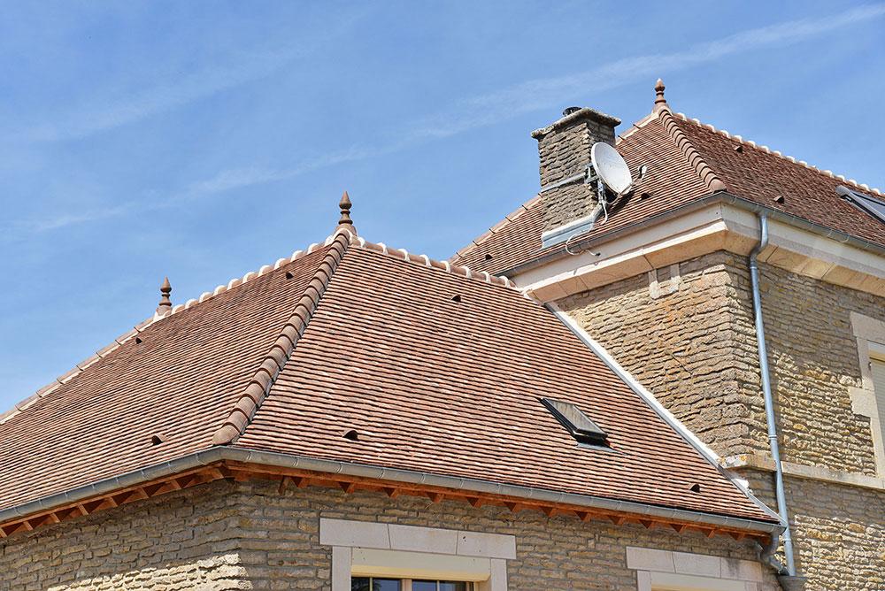 Rénovation de toiture en tuiles plates