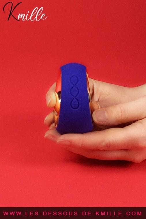 Kmille teste le stimulateur de clitoris Lelo Ora 2.