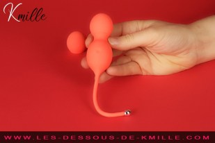 Kmille teste les boules de Geisha connectées Bloom, de We-Vibe.
