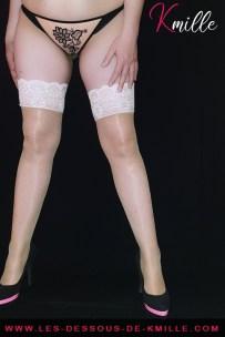 Présentation d'une parure de 3 pièces de lingerie, de Roza Lingerie.