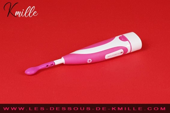 Test d'une brosse à dents à clitoris fun, de la marque Celebrator.
