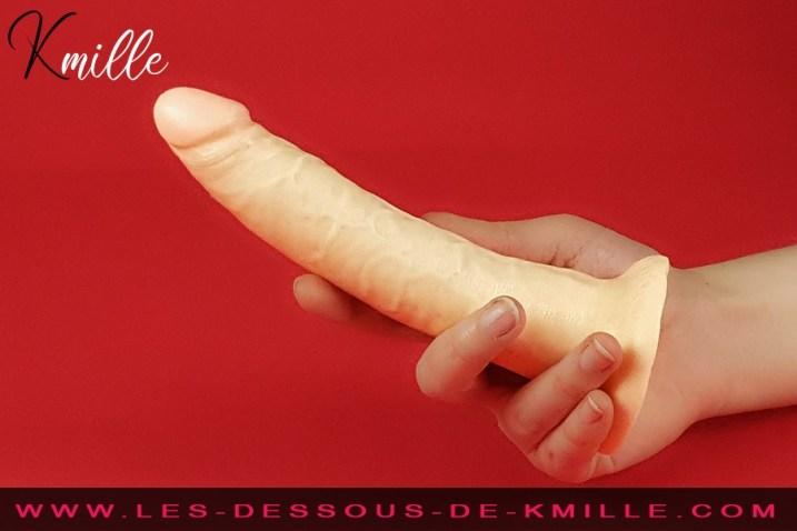 Kmille teste le gode réaliste à ventouse King Cock, de la marque Pipedream.