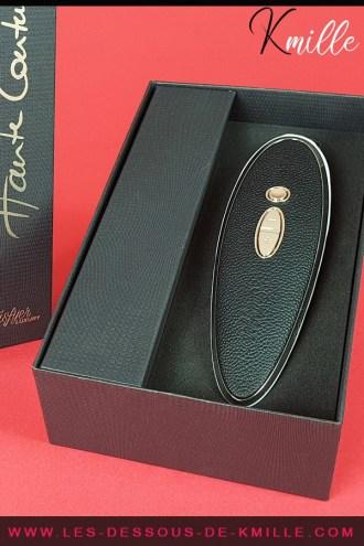 Test d'un stimulateur de clitoris sans contact haut-de-gamme pour des plaisirs luxueux.