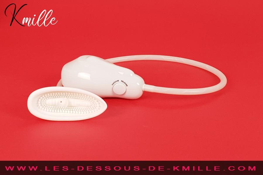 Kmille teste la pompe à vagin vibrante BI-014096-2, de Pretty Love.