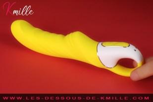 Kmille teste le vibromasseur Satisfyer Vibes Yummy Sunshine.