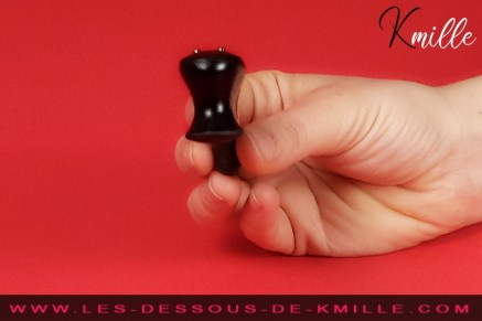 Kmille teste le stimulateur Be-One, de Fun Factory.