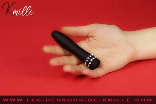 Kmille teste le vibromasseur Black Diamond, de Passage du Désir.