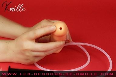 Kmille teste le gode semi-réaliste éjaculateur, de la marque Strap-on-me.