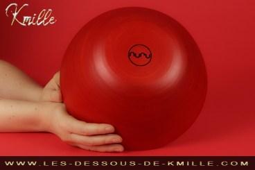 Kmille teste le bol en bambou pour massage Nuru, de la marque Nuru.