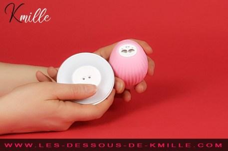 Kmille teste le stimulateur clitoridien vibrant à pulsation Obii, de Biird.