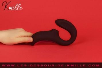 Kmille teste le double stimulateur sonique Lelo Enigma.