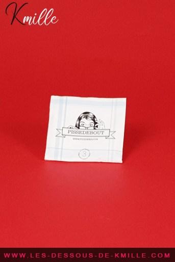 Test d'un urinoir féminin portatif jetable, de la marque Pissedebout de Grabuge.