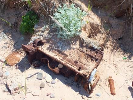 Un moteur dans le sable
