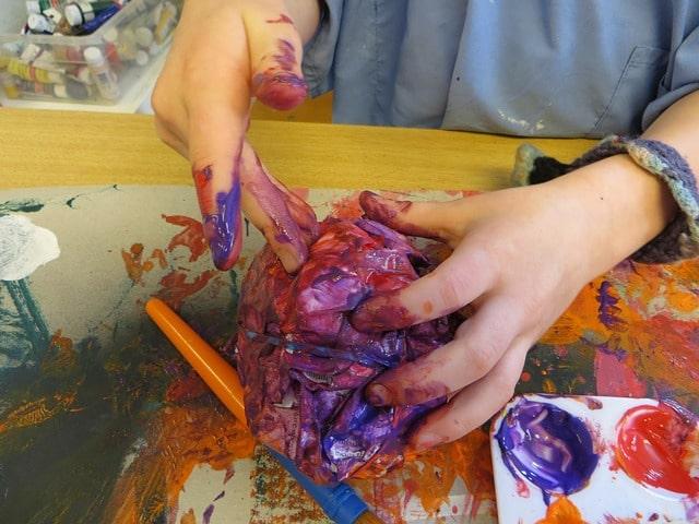Artiste fait partie des métiers faisables avec des enfants en IEF