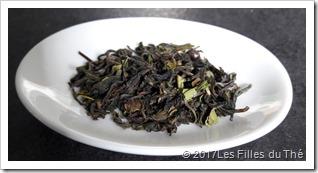 feuilles-seches-singtom- darjeeling- les-filles-du-the