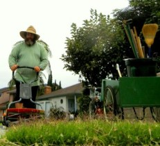 Steve-Perez_The-Green-Gardener-Eco-Friendly-Landscaping-Odd Jobs-&-Knife Sharpening_les-jardiniers-a-velo-fr