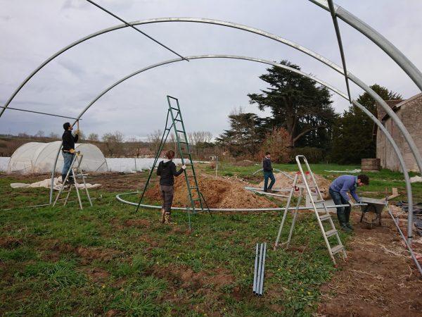 Le site et la ferme sont en construction.